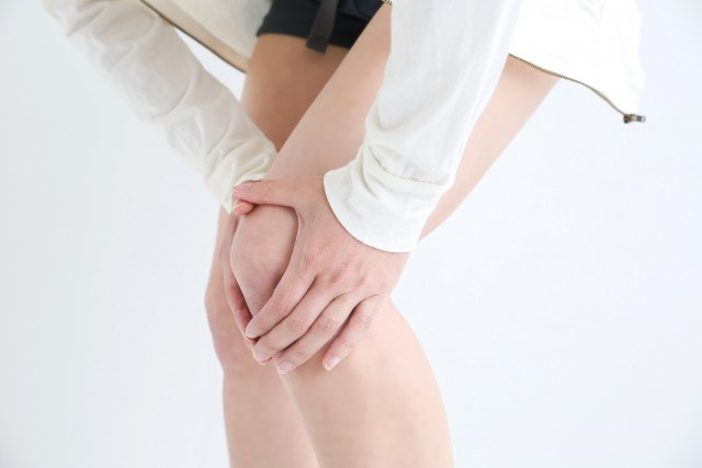 女性の膝の痛み